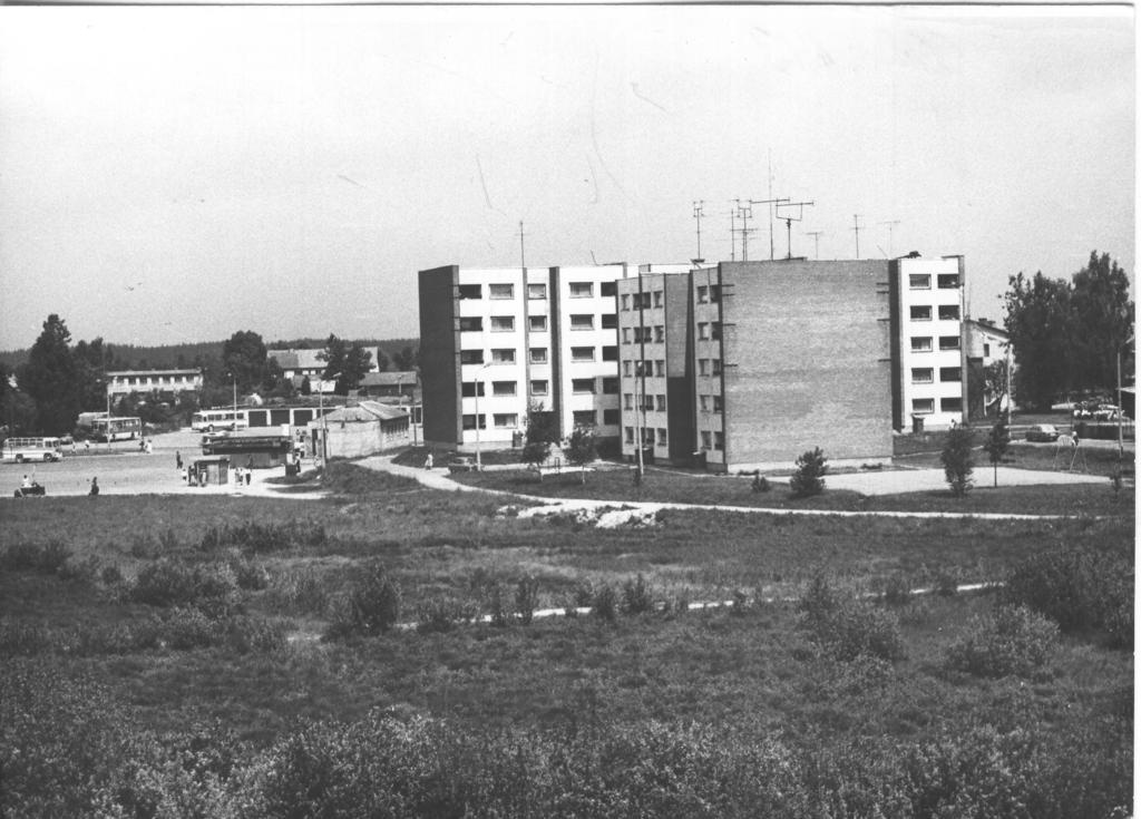 Photo. Võru, the constellation behind the Võru bus station in 1984.