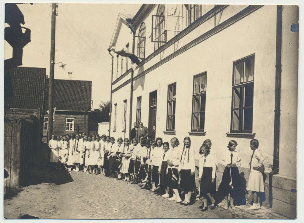 Photo, Real Gymnasium of Daughters in Viljandi City approx. 1925