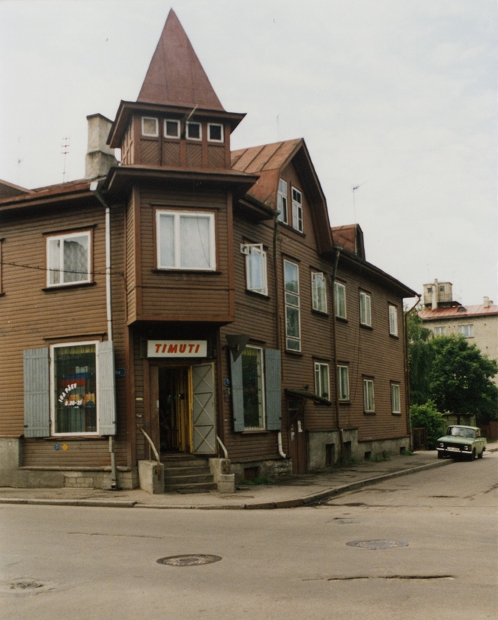 Apartment building in Tallinn, Timuti tn, view of the corner part of the building. Architect Voldemar Lender, j/e Aleksander citizen