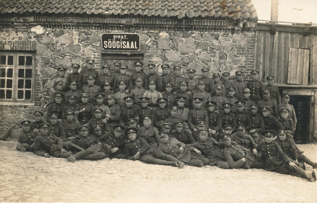 Photo. Estonian Defence Forces Age Service 8. In front of the dining hall of a single football battalion