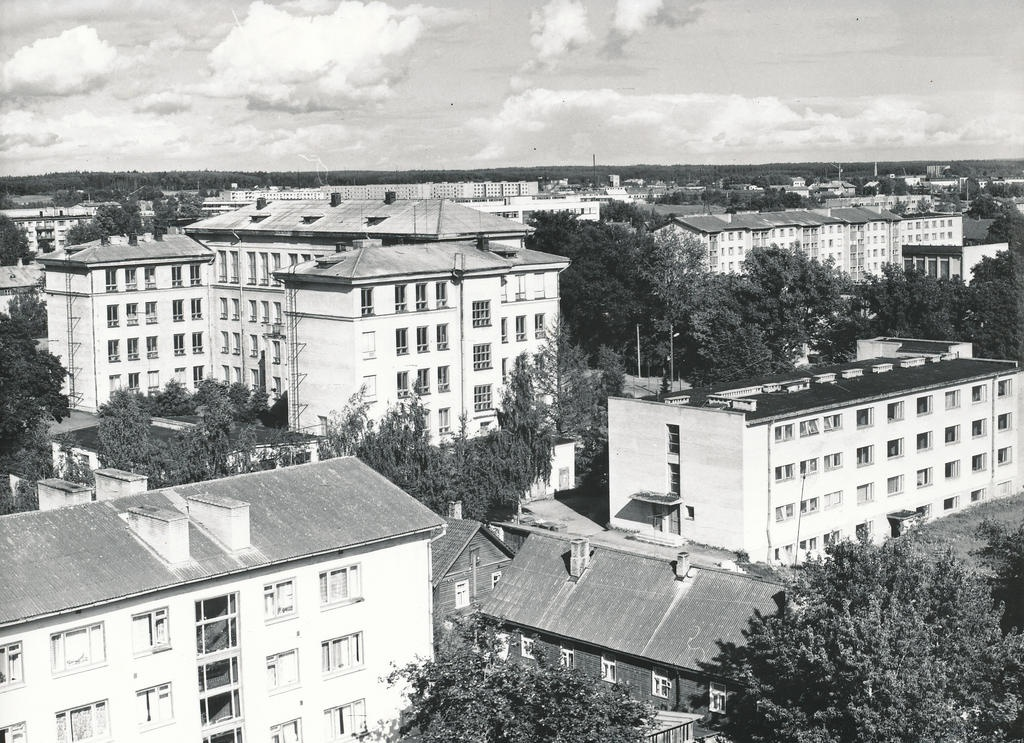 Photo. Võru view Kreutzwald Street 22 from the roof of the building.