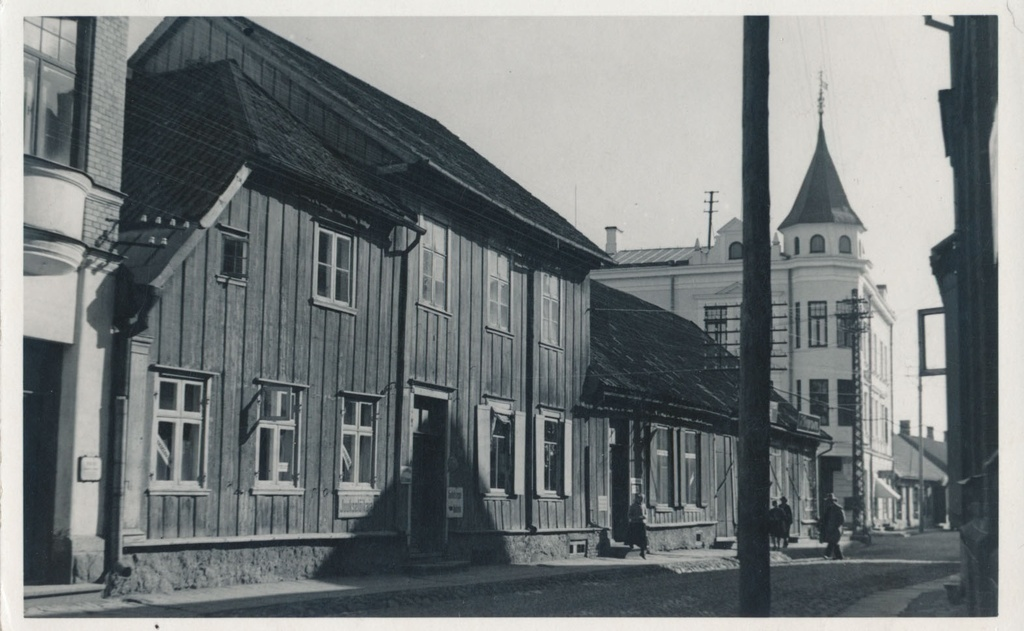 Photo Viljandi Tartu tn before crossing Lossi tn approx. 1920