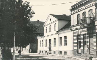 Photo, Viljandi Museum, building (part of the archive building), approx. 1950  similar photo