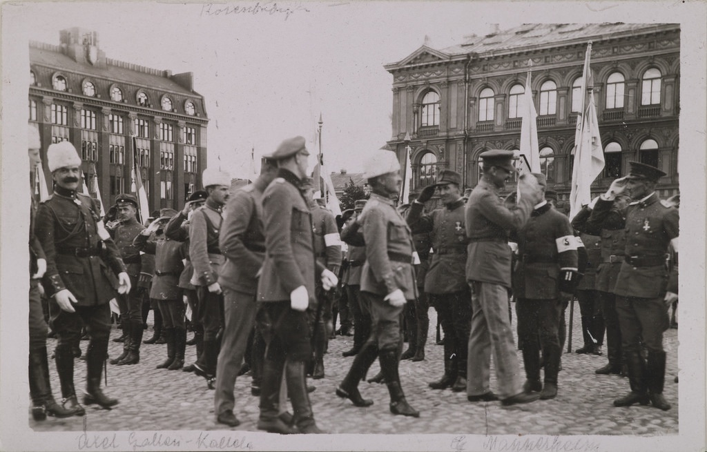 Picture of parade on the 16th of May, 1919