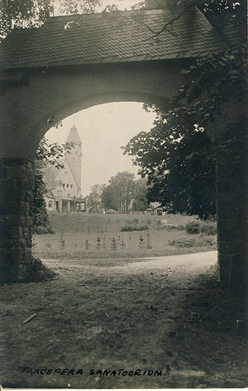 View of Taagepera Sanatoorium through the bottom gate