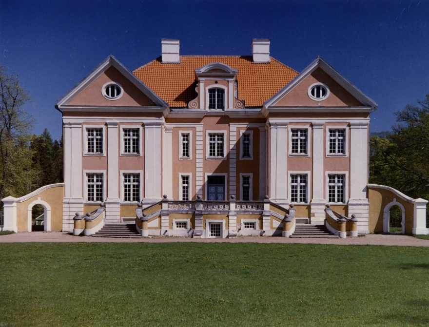 Palmse Manor, facade view. Architect C. J. Mohr