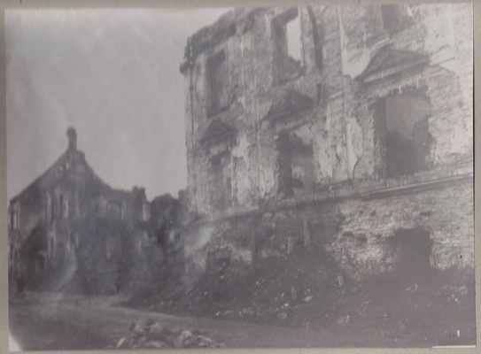 Broken Narva view, house on the Great Street, 1946