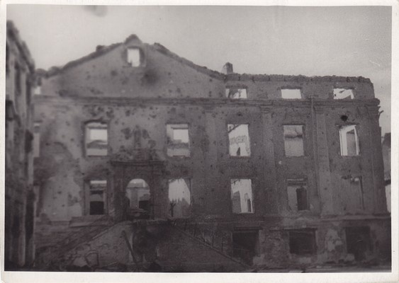 Post-war crushed Narva, Raekoda