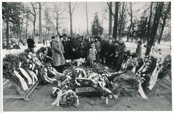 The funeral of Prof Kalju Paaver in 1985.