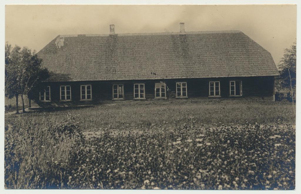 Photo, New-Võidu v Saarepet school house before rebuild, approx. 1930