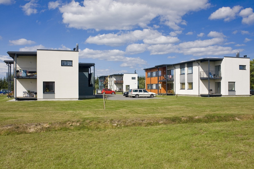 The residential district of Soosepa in the village of Pärnamäe in Viims, view of the buildings. RAP Architects / Raul Kõllamaa, Anne Arus