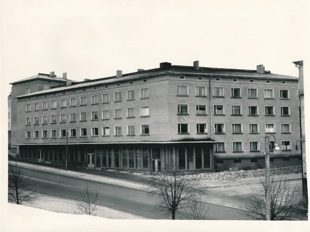 Tartu city view. New apartment building in Riga tn 9. 1961