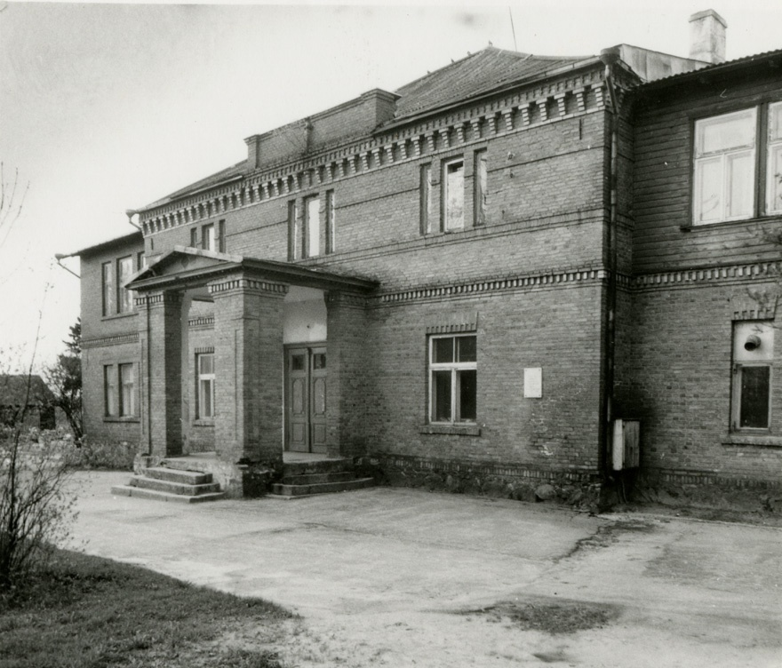 School house in Viljandi, facade view. Architects Erich von Wolffeldt, Aleksander Nürnberg