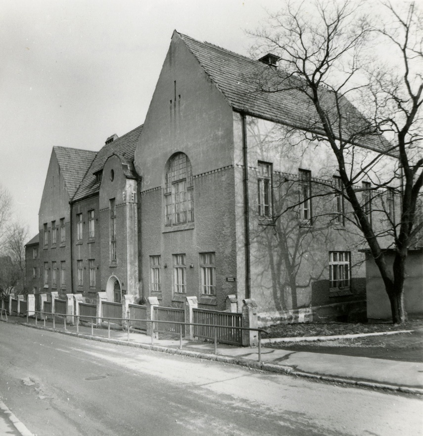 School building in Tartu, view of the building from the corner. Architects Arved Eichhorn, g. Darmer