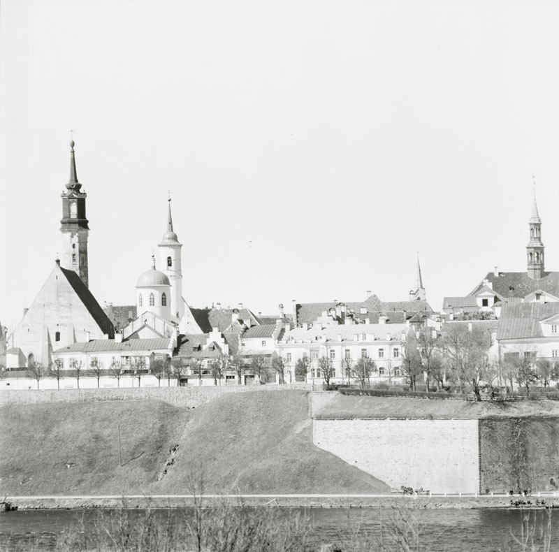 Narva, view of the river to the Old Town