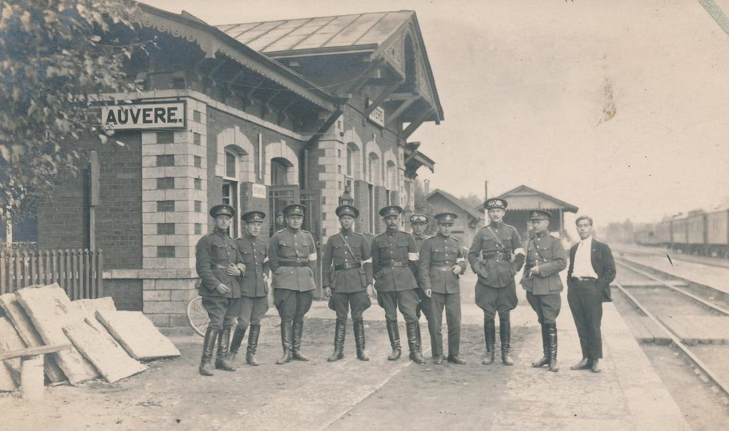 Military personnel on the periphery of Auvere Station