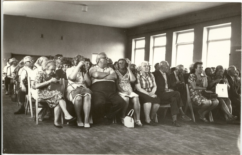 Photo, participants from the seminar and meeting of home researchers in Türil in 1972.