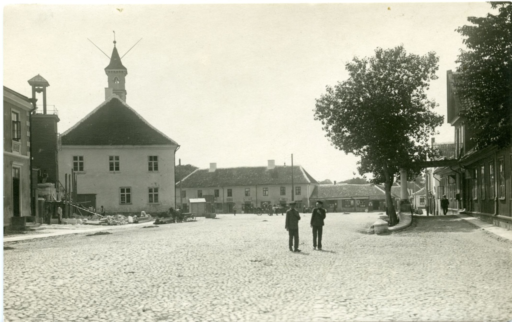 Kuressaare city centre, view from Tallinn Street to the marketplace