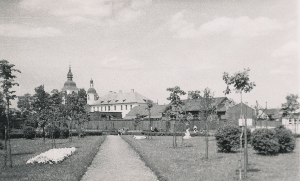 Photo. Võru. The place of ruins was founded in the gray area centre at the end of 1940s