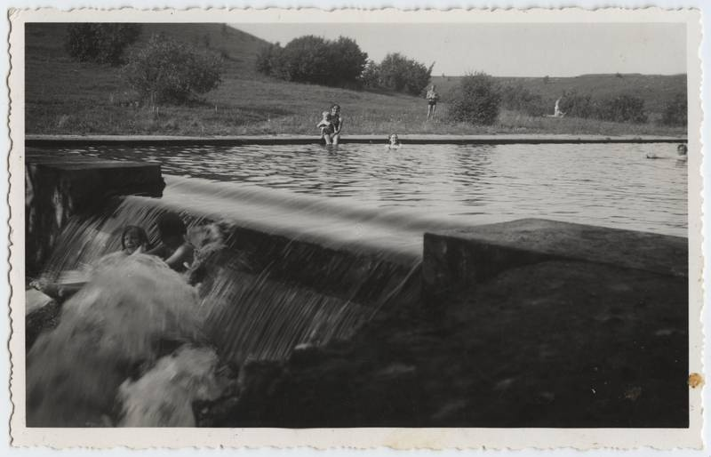 Photo postcard, Viljandi, Uueveski valley, part of the pool, water flow area