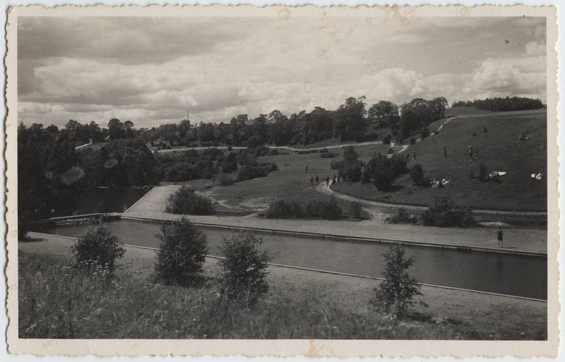 Photo postcard, Viljandi, Uueveski valley, Rear pool, People