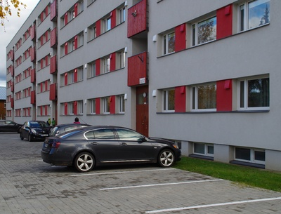 Apartment building in Rakvere, front view rephoto