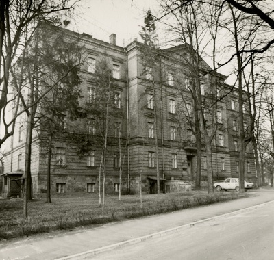 Former joint venue, later History Archives, facade view. Architect Reinhold Guleke  similar photo