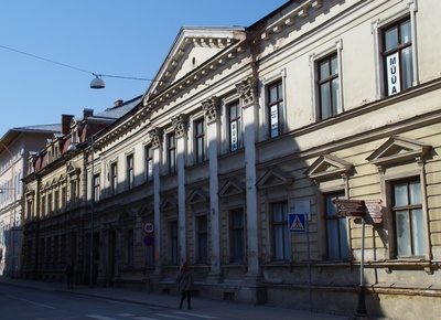 Building in Tartu, facade view. Y/E arh f. Good rephoto