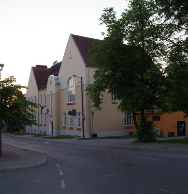 School building in Tartu, view of the building from the corner. Architects Arved Eichhorn, g. Darmer rephoto