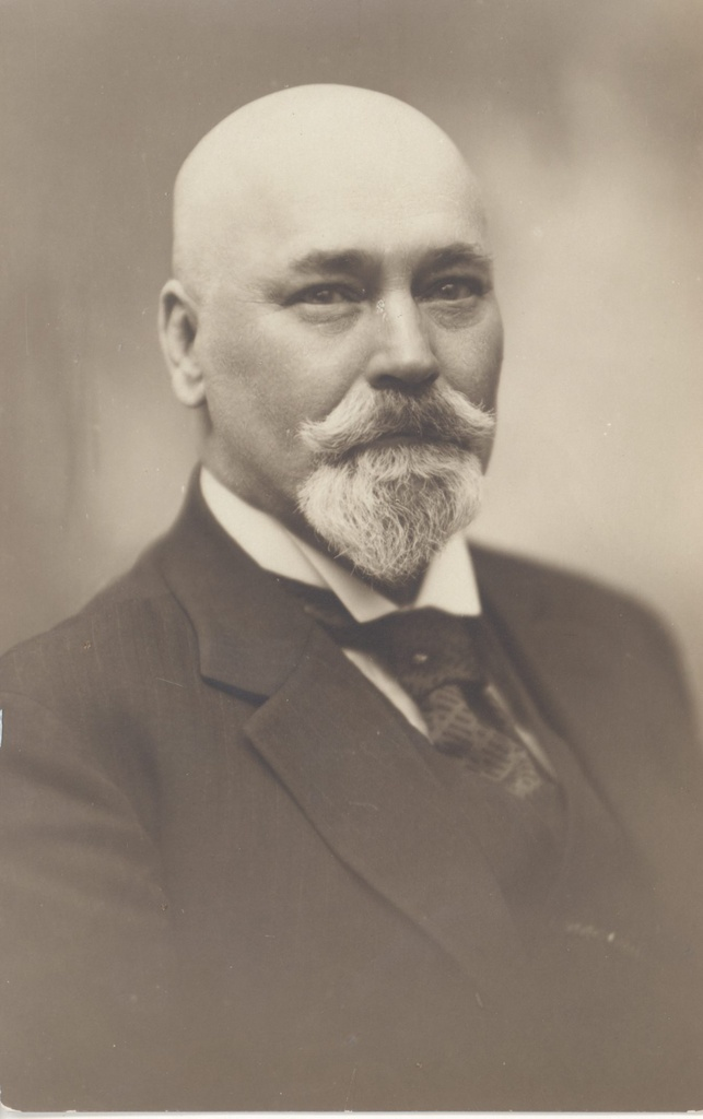 Hindrey, Karl August