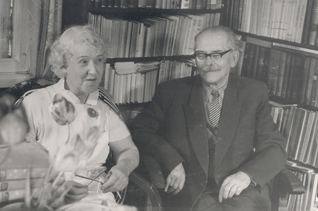 Elo and Friedebert Tuglas at home 6. VI 1963