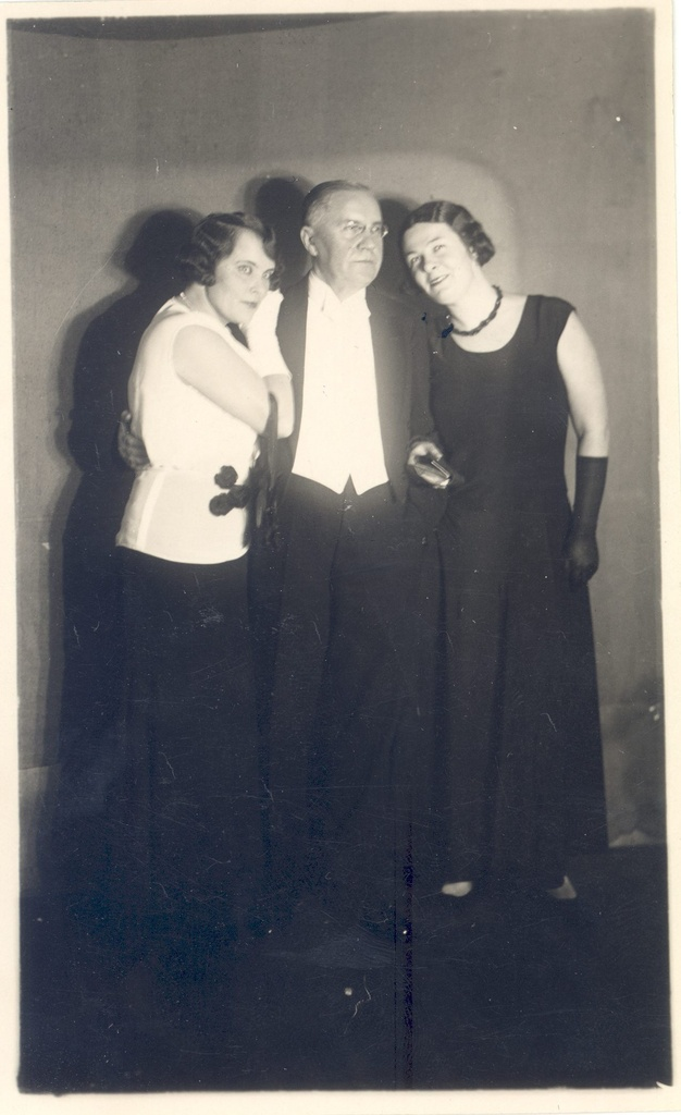 Vilde, Eduard on the journalists' ball on February 14th. 1930