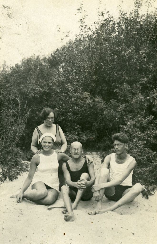 Elfriede (Frieda) Winter, Hella Talvik, Siegfried Talvik and Ilmari Talvik