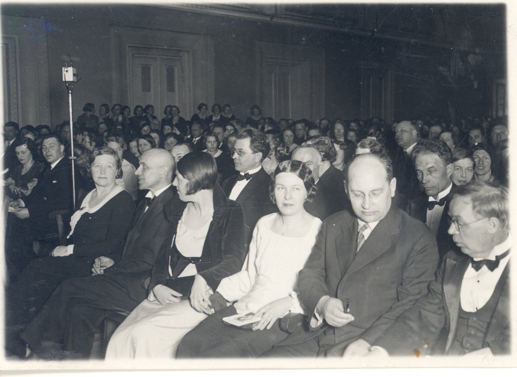 "The 30th birthday acts of m. Under at the concert hall ""Estonia"" 30.03.1933. VAS. : m. Under, a. Adson, h. Hacker, d. Hacker, a. All, Ed. Hubel"