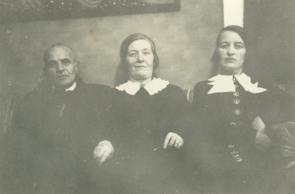 Artur Adson, Marie Under, Unknown