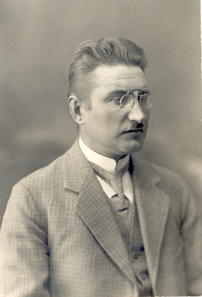 Villem Grünthal-Ridala (1885-) writer and linguistician