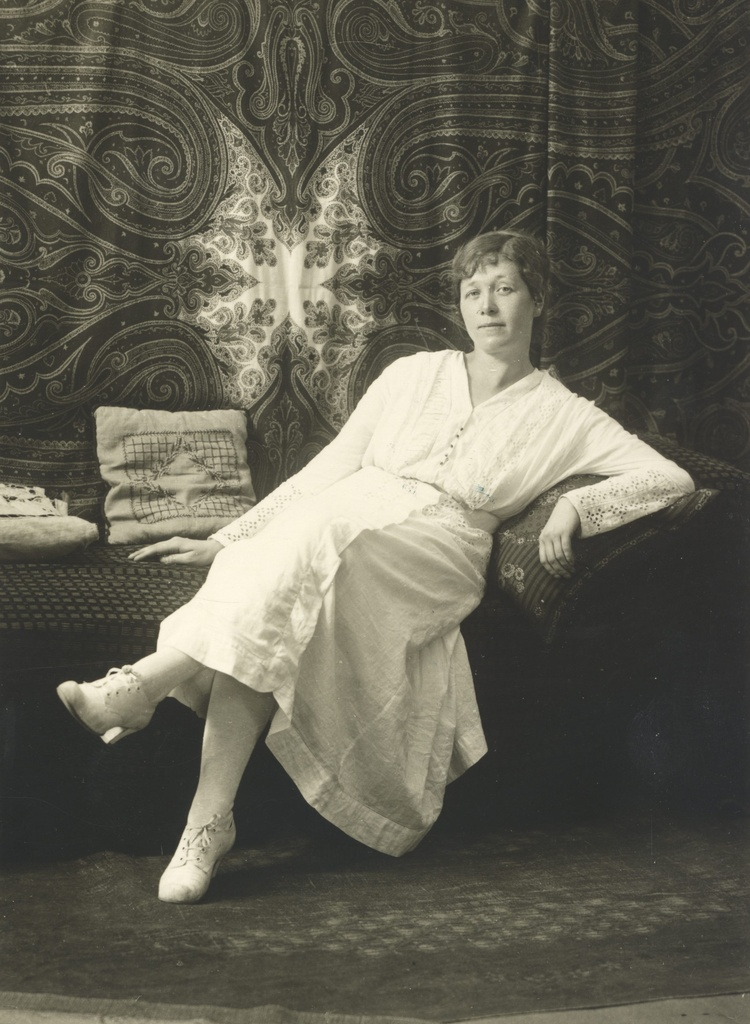 Under, Marie 1917. a.