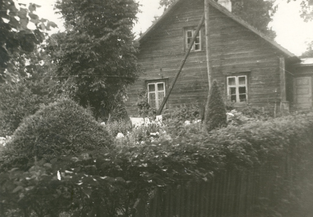 Mihkel Veske's birthplace in Holstres Veske farm