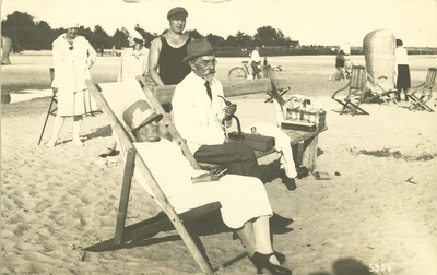 August Kitzberg's wife on the beach of Pärnu  duplicate photo