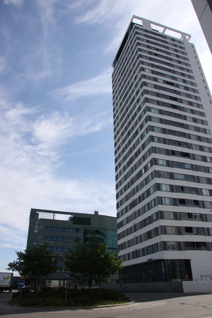 Cirrus tower house in Vuosaar.