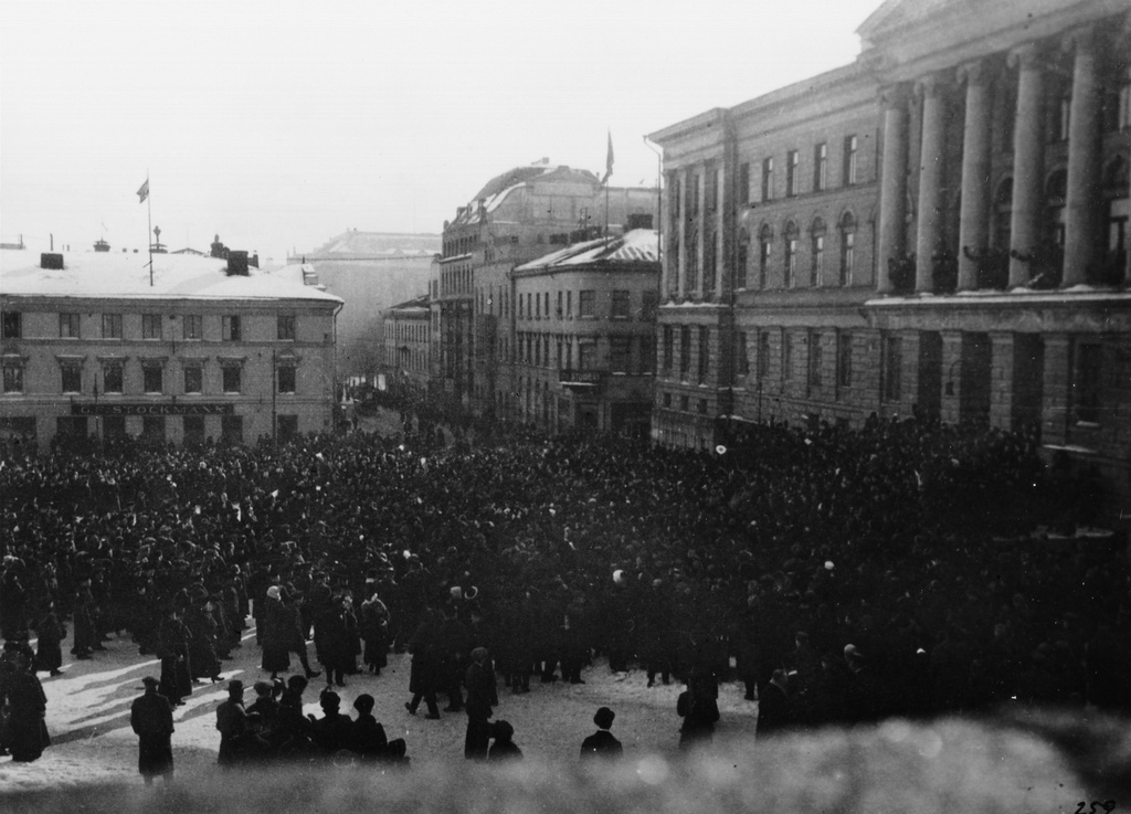 Admiral Maximov speaks to high school students at the University on 21 March 1917 during the Russian March revolution.