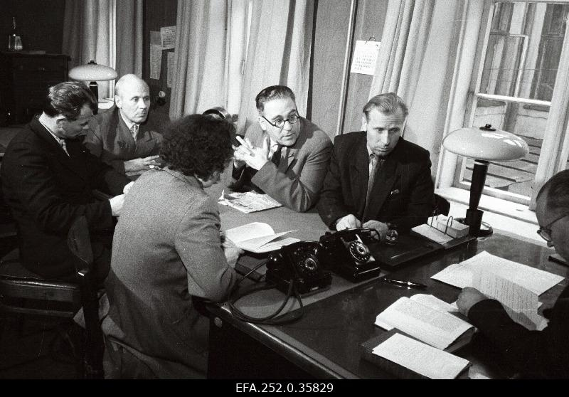 Work meeting of the Leather and Jalts Combination of the History of the Party, led by Nikolai Tilga.