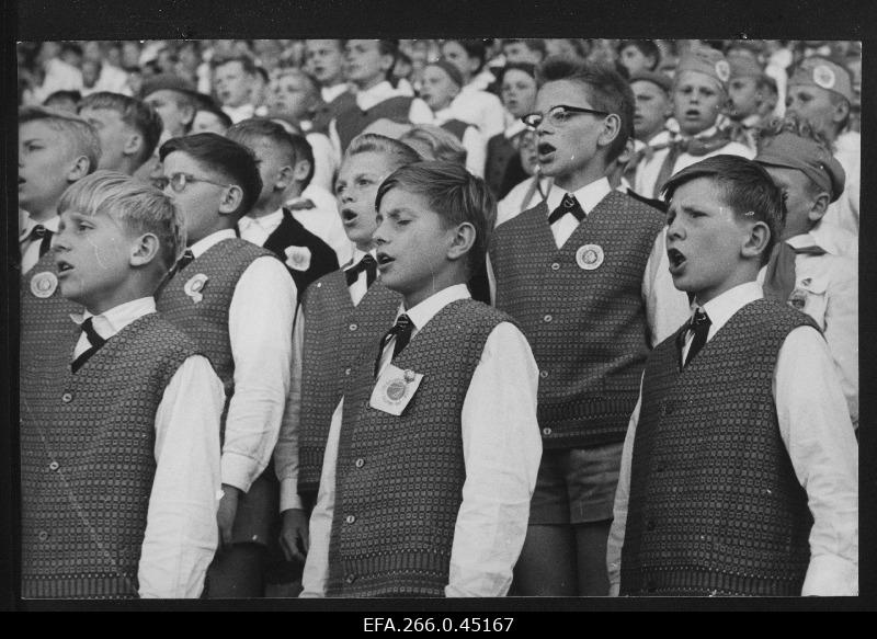 Poistechoirs at the 16th General Song Festival of the Estonian Soviet Union in 1965.
