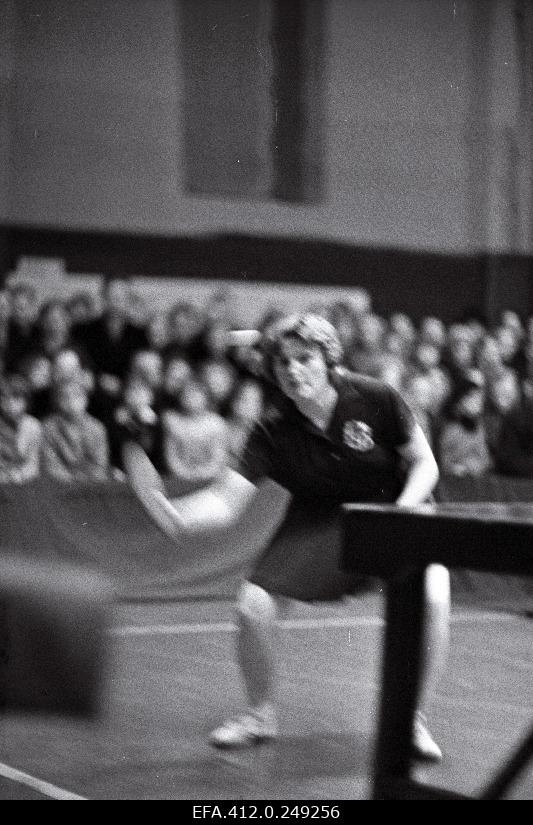 Soviet Union Championships in Table Tennis. Signe Paisjärv in the game hall.