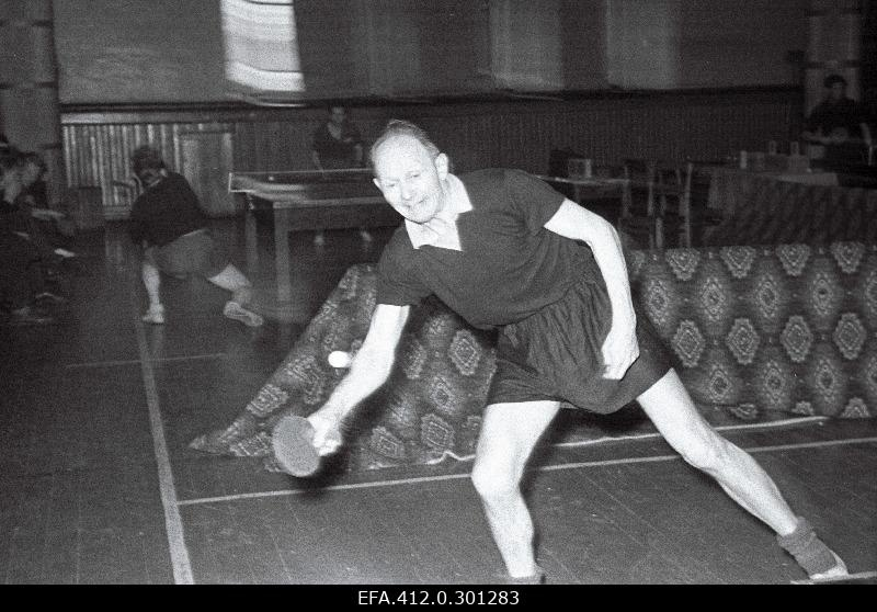 Heino Heldna achieved 4 places in the Soviet Union's table tennis championships in a single game.