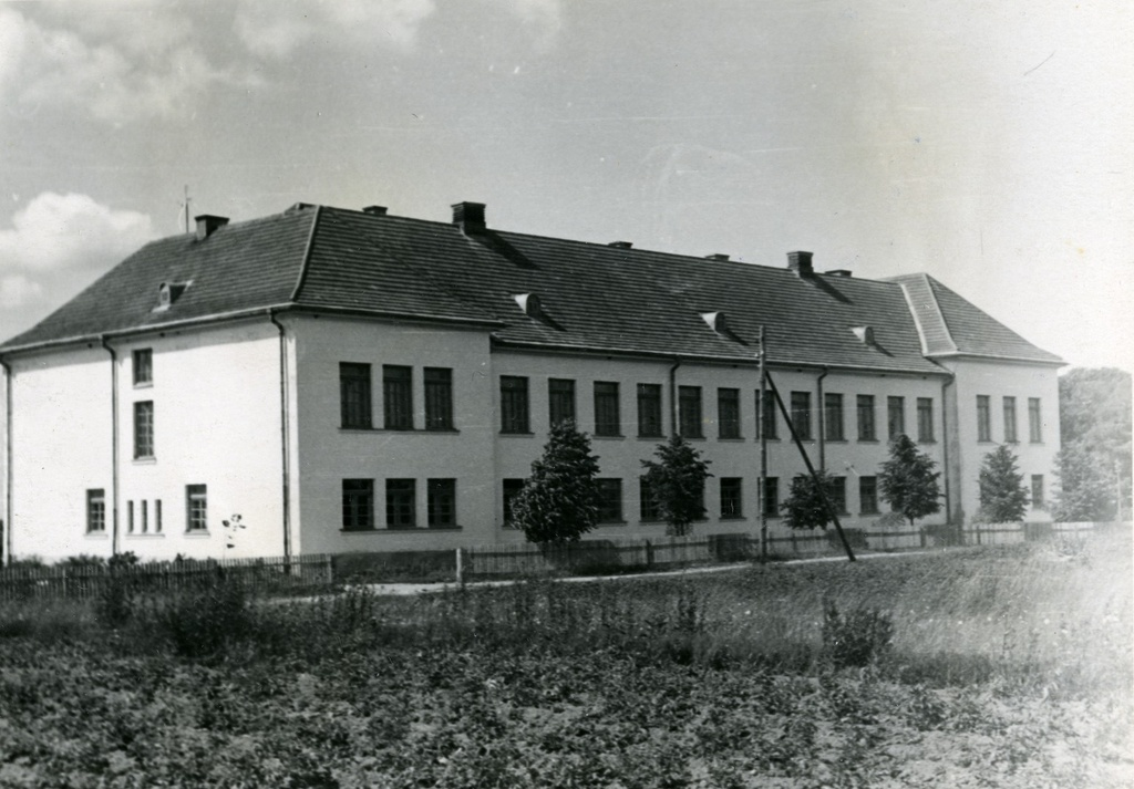 Valga County Puka 8-kl. School building