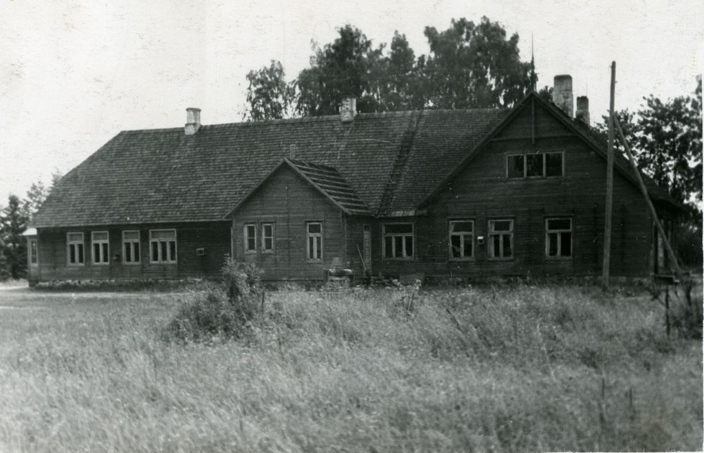 Viljandi County Outdoor School building