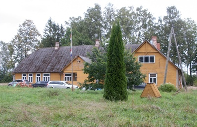 Viljandi County Outdoor School building rephoto