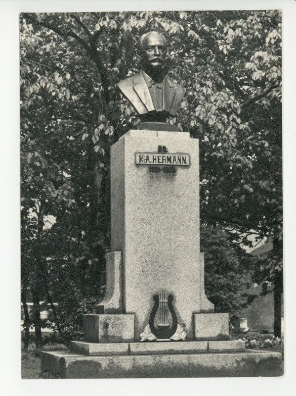Põltsamaa, Karl August Hermanni monument