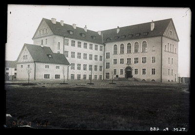 Tallinn, school building Ristiku Street no. 69.  duplicate photo